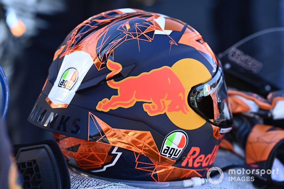 "Casco de Pol Espargaro, Red Bull KTM Factory Racing<span class=""copyright"">Gold and Goose / Motorsport Images</span>"