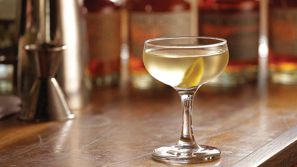 <p><strong>Ingredients</strong></p><p>2 parts Hudson NY Corn Whiskey<br>1 part Lillet Blanc<br>3 dashes orange bitters</p><p><strong>Instructions</strong></p><p>Stir ingredients 50 times with ice to chill and dilute properly. Strain into a chilled cocktail glass. Garnish with a lemon peel.</p>