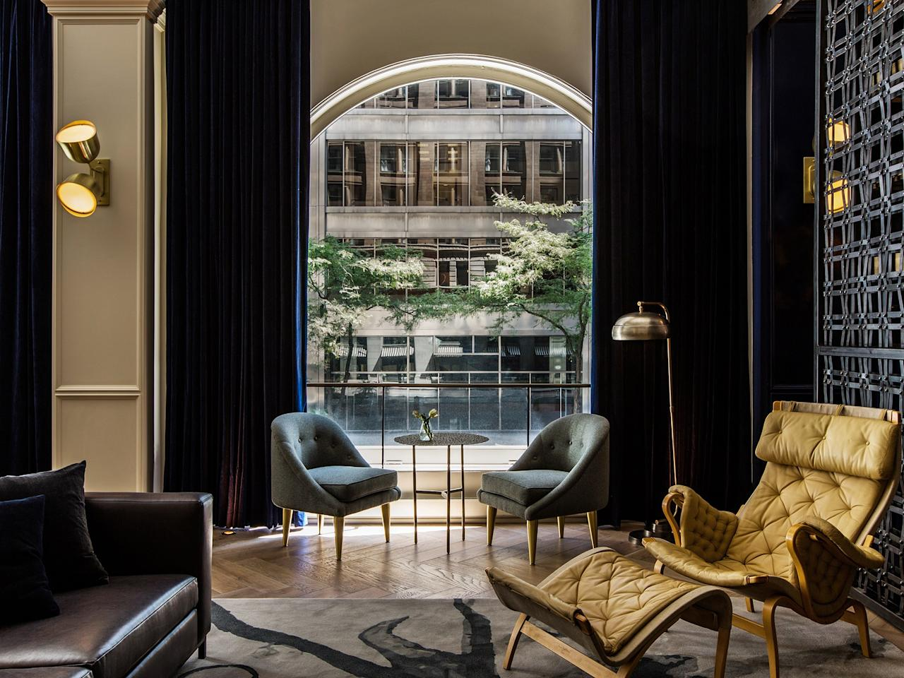 25 best hotels in chicago - Interior leather bar free online ...