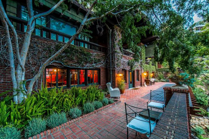 <p>The deck outside of the Billiard Room is the perfect place to enjoy the view of the twinkling lights of Hollywood, and/or a good cigar.</p>