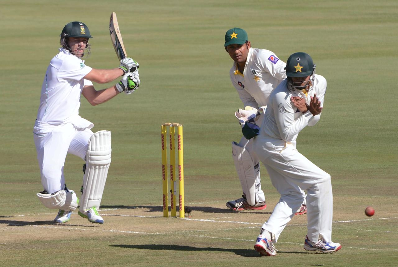 PRETORIA, SOUTH AFRICA - FEBRUARY 22:  AB de Villiers of South Africa hits out during the day 1 of the 3rd Test match between South Africa and Pakistan at SuperSport Park on February 22, 2013 in Pretoria, South Africa, (Photo by Lee Warren / Gallo Images/Getty Images)