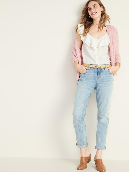 """<p><a href=""""https://www.popsugar.com/buy/Old-Navy-Mid-Rise-Boyfriend-Straight-Jeans-549591?p_name=Old%20Navy%20Mid-Rise%20Boyfriend%20Straight%20Jeans&retailer=oldnavy.gap.com&pid=549591&price=21&evar1=fab%3Aus&evar9=47187974&evar98=https%3A%2F%2Fwww.popsugar.com%2Ffashion%2Fphoto-gallery%2F47187974%2Fimage%2F47222009%2FOld-Navy-Mid-Rise-Boyfriend-Straight-Jeans&list1=shopping%2Csale%2Cpresidents%20day%2Csale%20shopping&prop13=api&pdata=1"""" rel=""""nofollow"""" data-shoppable-link=""""1"""" target=""""_blank"""" class=""""ga-track"""" data-ga-category=""""Related"""" data-ga-label=""""https://oldnavy.gap.com/browse/product.do?pid=391905002&amp;cid=1152023&amp;pcid=1152022&amp;vid=1&amp;grid=pds_1_1099_1#pdp-page-content"""" data-ga-action=""""In-Line Links"""">Old Navy Mid-Rise Boyfriend Straight Jeans</a> ($21, originally $35)</p>"""