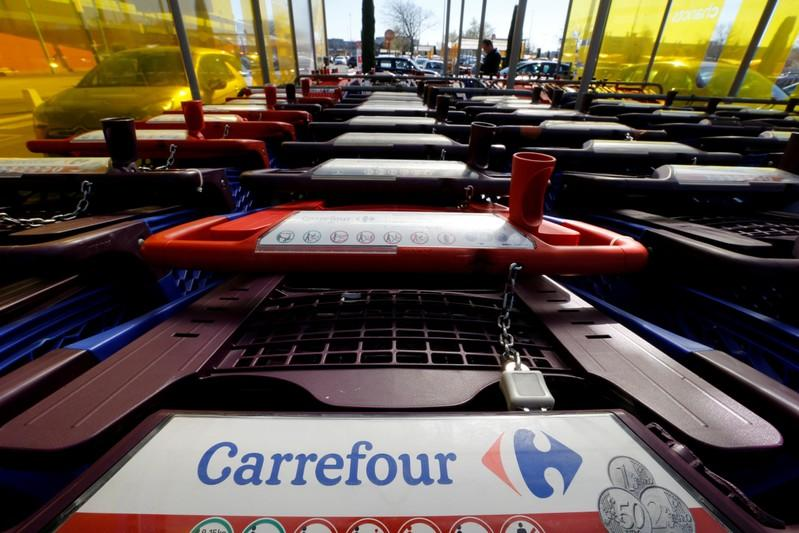Carrefour confident on overhaul despite weak third quarter in France