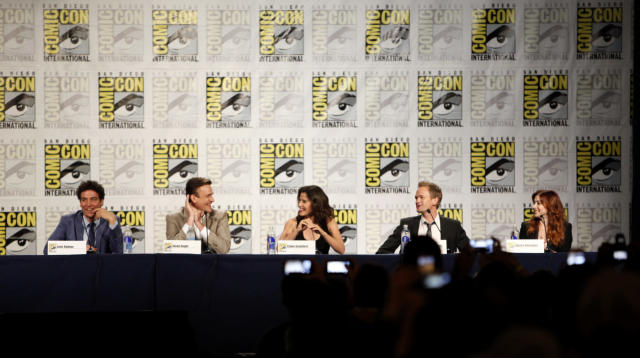 "(l-r); Josh Radnor, Jason Segel, Cobie Smulders, Neil Patrick Harris, and Alyson Hannigan during the ""How I Met Your Mother"" Panel at Comic-Con 2013, held in San Diego, Ca."