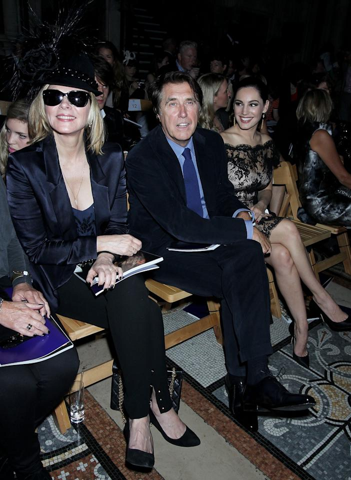 "<p class=""MsoNormal""><span>Kim Cattrall hung out with musician Bryan Ferry and model Kelly Brook at the Philip Treacy show. <br></span></p><p class=""MsoNormal""><span>(Photo by Dave M. Benett/Getty Images)</span></p>"