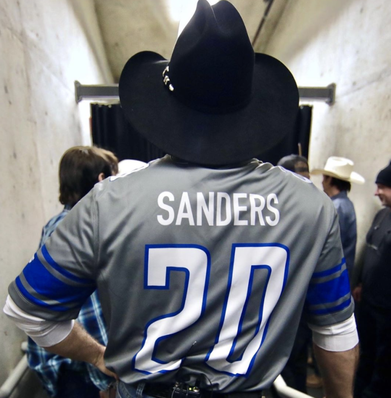 Social media trolls Garth Brooks for wearing Sanders jersey