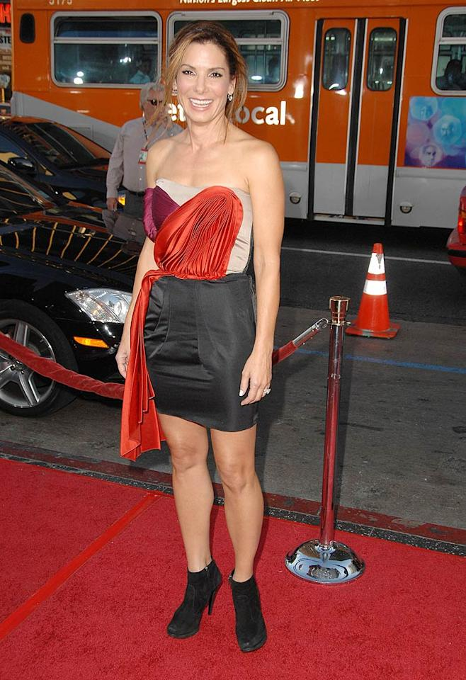 """In her latest rom-com, Sandra Bullock plays a dowdy crossword puzzle creator with no sense of style ... and we're sorry to say she wasn't in character when she walked the red carpet at the film's premiere. Steve Granitz/<a href=""""http://www.wireimage.com"""" target=""""new"""">WireImage.com</a> - August 26, 2009"""