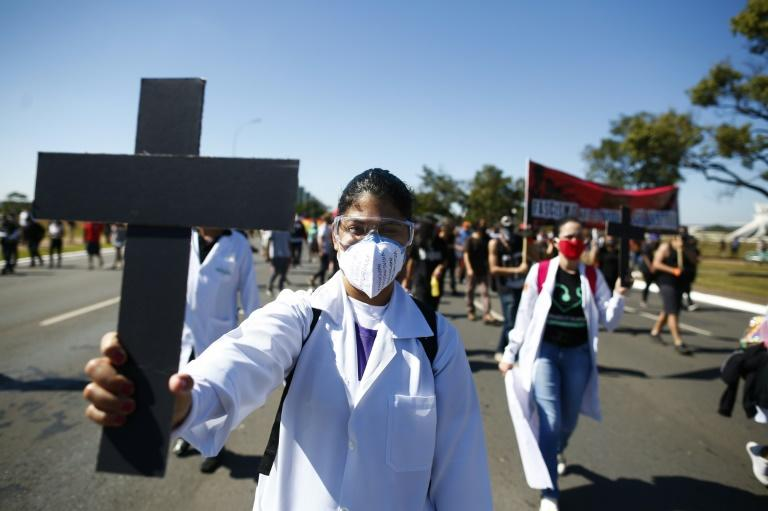 Demonstrators in Brasilia demanded democracy and an end to racism and fascism (AFP Photo/Sergio LIMA)