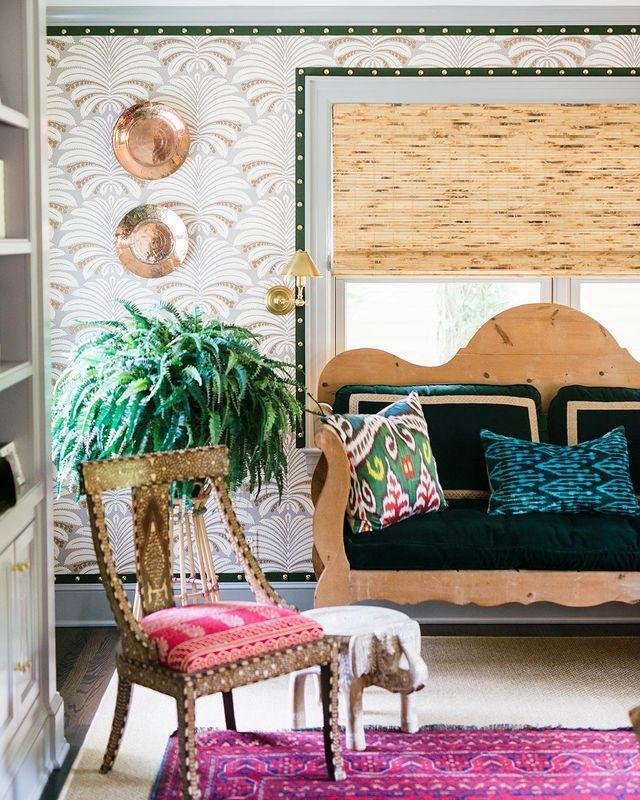 """<p>The tiniest touch of green—in the form of nailhead-embossed tape trim—makes a big impact here. </p><p><a href=""""https://www.instagram.com/p/CMhQMBLsvGX/"""" rel=""""nofollow noopener"""" target=""""_blank"""" data-ylk=""""slk:See the original post on Instagram"""" class=""""link rapid-noclick-resp"""">See the original post on Instagram</a></p>"""
