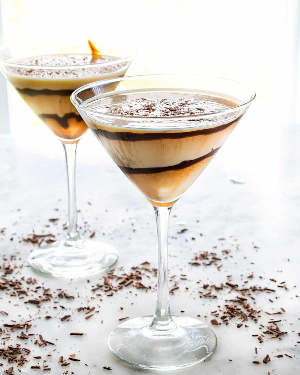 "<p>Christmas treats are all about rich, decadent things like chocolate and cream. The gorgeous swirl of chocolate inside the glass makes it Santa-worthy.</p><p><strong>Get the recipe at <a href=""https://www.jocooks.com/recipes/chocolate-martini/"" rel=""nofollow noopener"" target=""_blank"" data-ylk=""slk:Jo Cooks"" class=""link rapid-noclick-resp"">Jo Cooks</a>.</strong></p><p><a class=""link rapid-noclick-resp"" href=""https://www.amazon.com/dp/B07YBJ483D?tag=syn-yahoo-20&ascsubtag=%5Bartid%7C10050.g.34690892%5Bsrc%7Cyahoo-us"" rel=""nofollow noopener"" target=""_blank"" data-ylk=""slk:SHOP BAR TOOLS"">SHOP BAR TOOLS</a></p>"