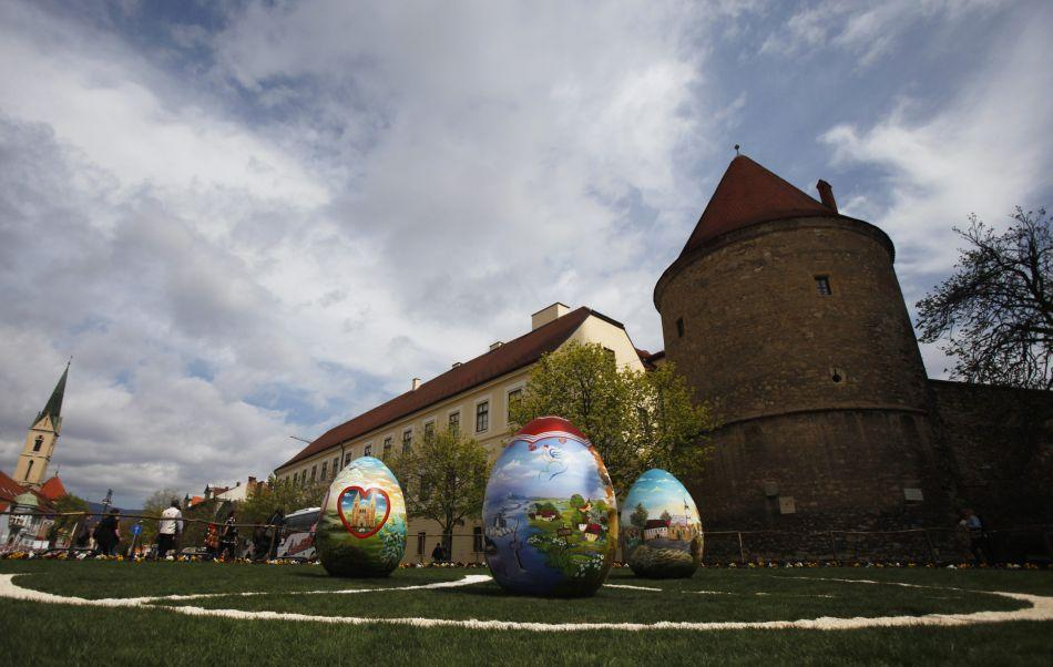 Three 2-metre-high Easter eggs are displayed in Zagreb