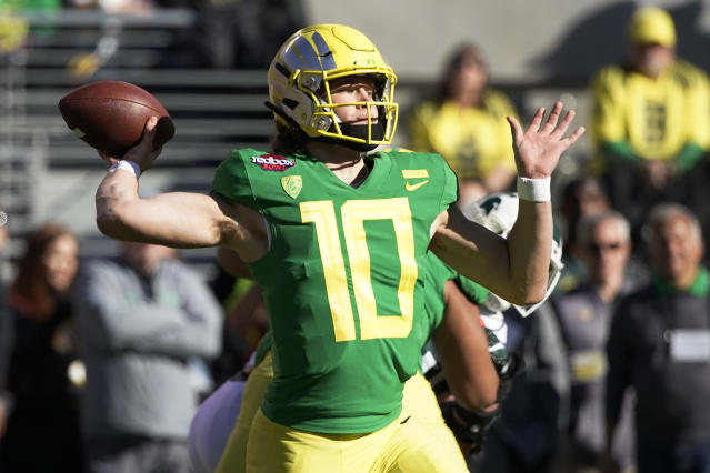 Oregon quarterback Justin Herbert is back for his senior season and could be the No. 1 pick in the 2020 NFL draft. (AP Photo/Tony Avelar, File)