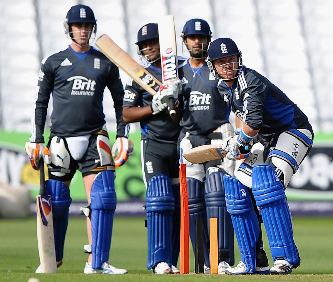 NOTTINGHAM, ENGLAND - SEPTEMBER 04: Ian Bell of England lines up in fron of Ravi Bopara, Samit Patel and Craig Kieswetter during net practice at Trent Bridge on September 4, 2012 in Nottingham, England.  (Photo by Laurence Griffiths/Getty Images)