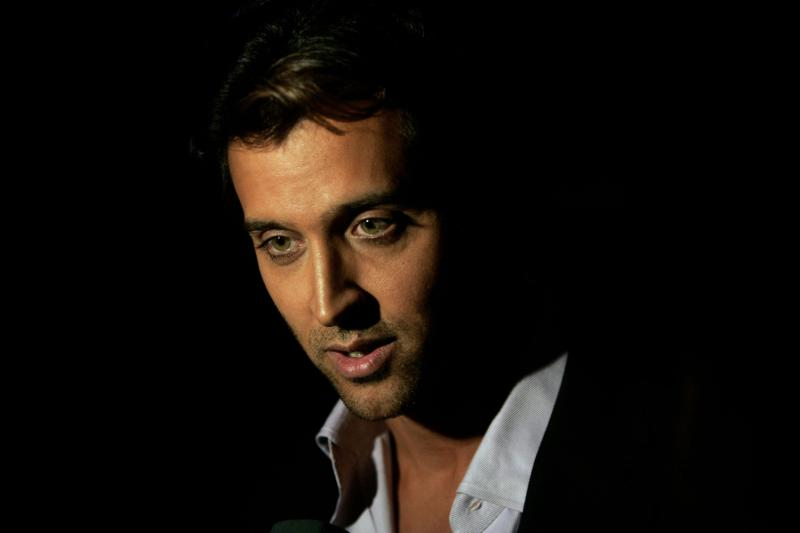 FILE – In this Friday, Feb. 15, 2008 file photo, Indian Bollywood actor Hrithik Roshan speaks to media at the premiere of Hindi film 'Jodha Akbar' in Nodia, on the outskirts of New Delhi, India. The 39-year-old actor has undergone surgery to remove a blood clot in his brain. Press Trust of India reported that the blood clot was the result of an injury to the head. (AP Photo/Manish Swarup, File)