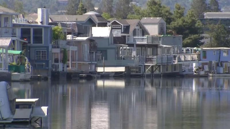 Docktown residents in Redwood City challenge push to move