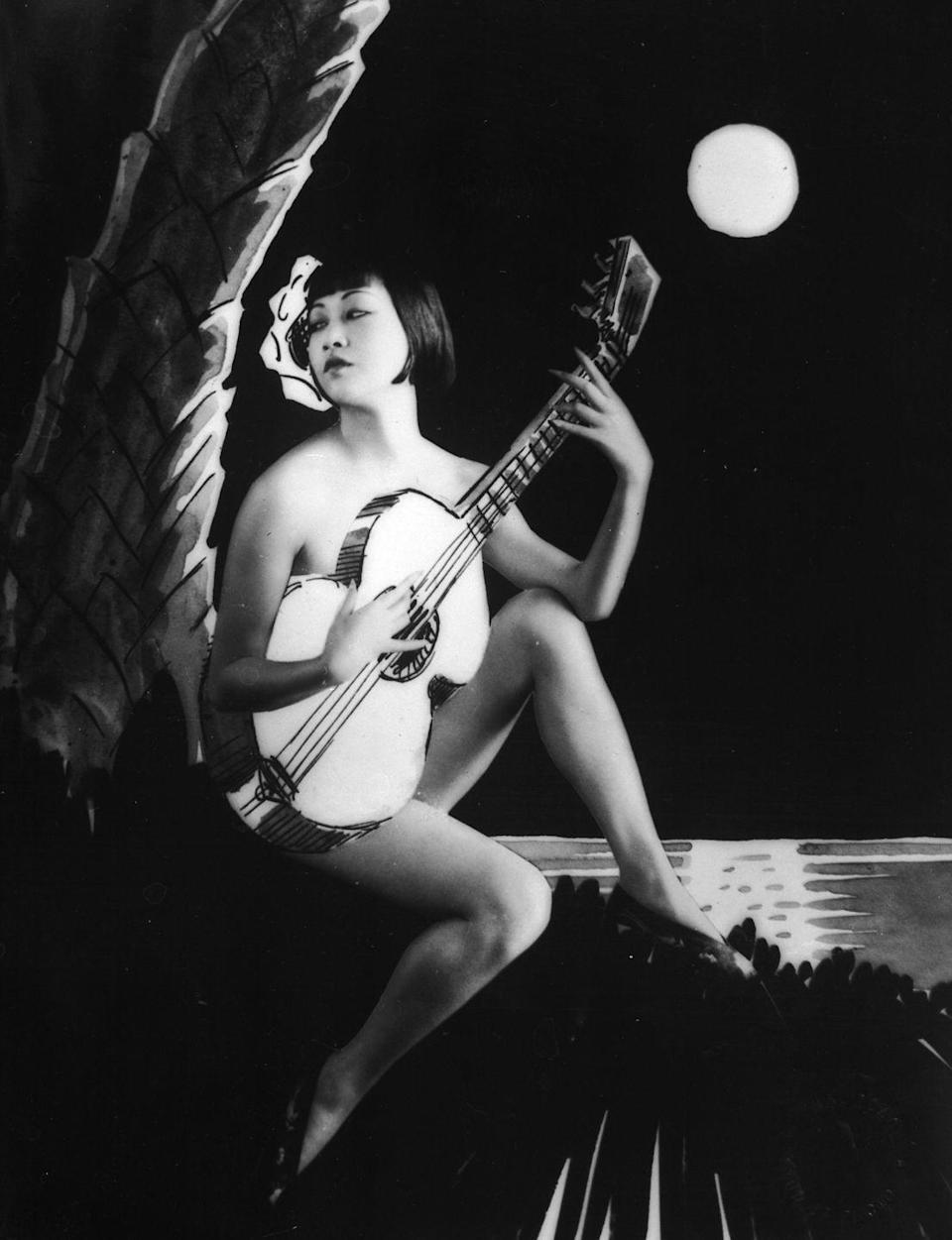 <p>In 1930, Wong returned to Hollywood after being offered a contract with Paramount Studios. This artistic shot was taken that year. </p>