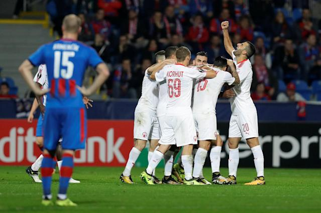 Soccer Football - Europa League - Viktoria Plzen vs Hapoel Be'er Sheva - Doosan Arena, Pizen, Czech Republic - September 28, 2017 Hapoel Be'er Sheva's Anthony Nwakaeme celebrates scoring their first goal with team mates REUTERS/David Cerny