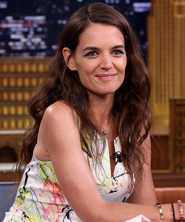 <br>Despite recently telling Yahoo Style that she likes the 'versatility' of long hair, Katie Holmes has lopped off her long brown locks.