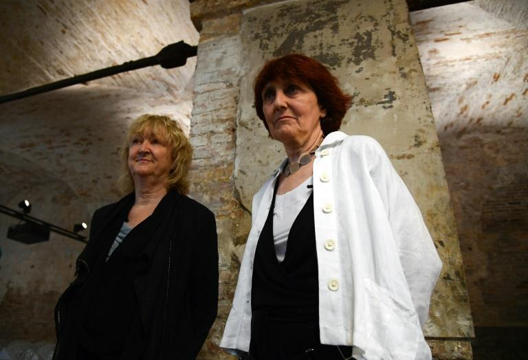 Yvonne Farrell (L) and Shelley McNamara, pictured in 2018, are the first female duo and first Irish citizens to win the Pritzker Prize in architecture