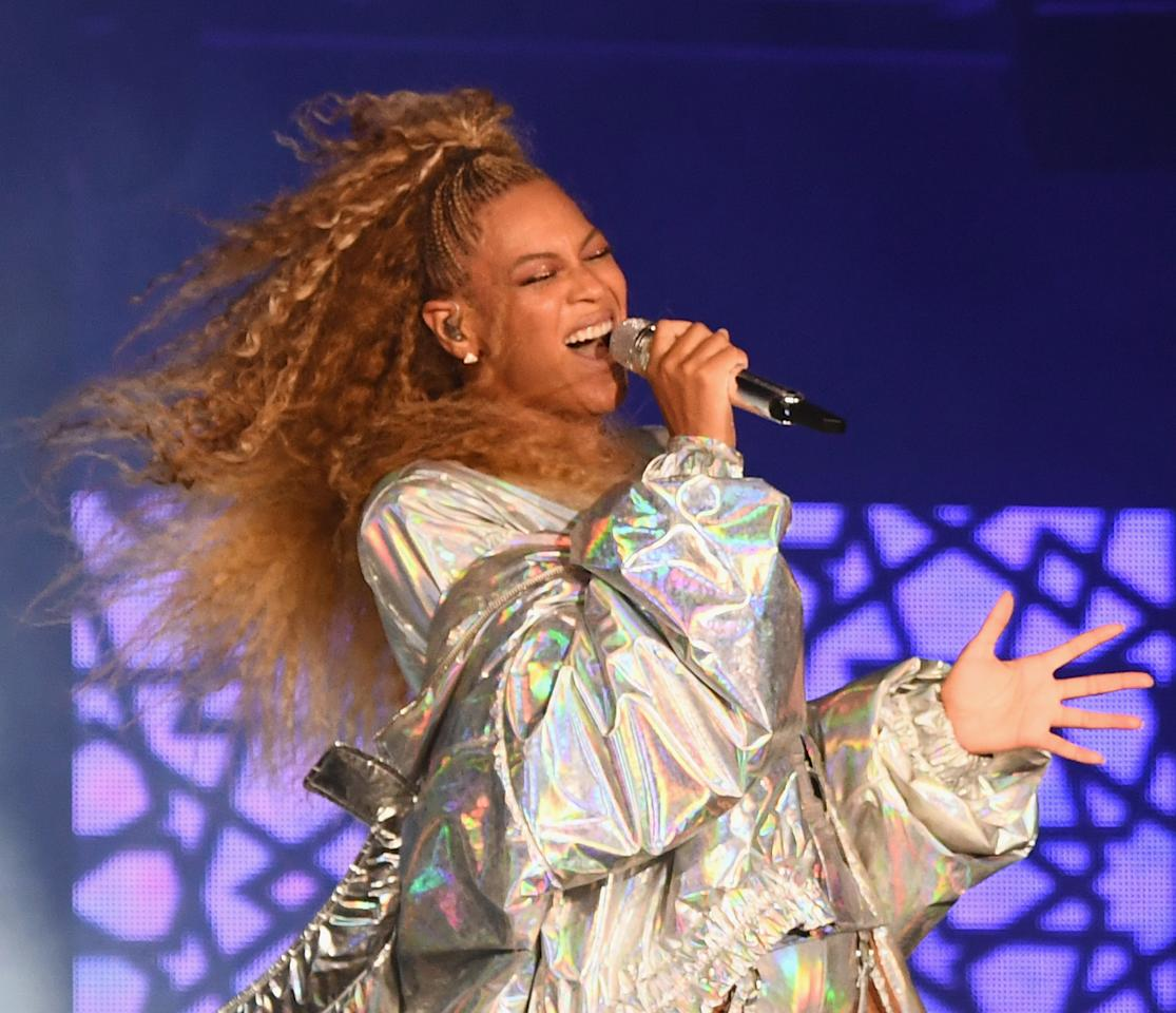 "<p>Queen Bey is serving superior vocals and natural-hair realness while on tour with her husband, Jay Z. Thankfully, she has <a rel=""nofollow"" href=""https://www.instagram.com/nealfarinah/"">Neal Farinah</a> to thank for keeping her tresses at their best. <strong>Pro tip: To minimize heat damage and still achieve standout texture, braid lengths of hair at night and undo in the morning for loose waves. </strong>(Photo: Larry Busacca/PW18/Getty Images for Parkwood Entertainment) </p>"