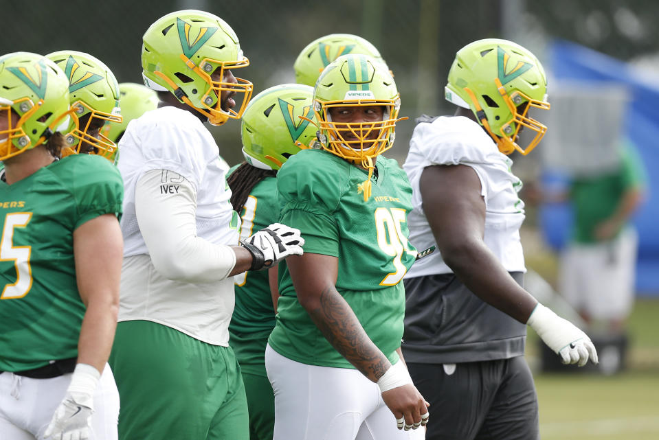 Tampa Bay Vipers' Martez Ivey (73), left, and defensive tackle Cece Jefferson (95) during a practice in January. (Octavio Jones/Tampa Bay Times via AP)