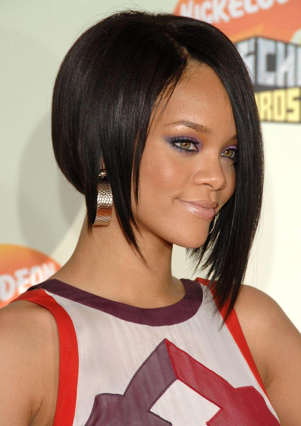 <p>For maximum impact, try singer <strong>Rihanna's</strong> cut, which features sharp pieces falling towards the front of her face on both sides. It can also be done with an undercut to make it extra edgy.</p>