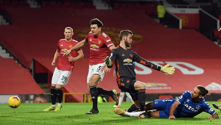 Dominic Calvert-Lewin (right)snatched a late point for Everton in a 3-3 draw at Manchester United