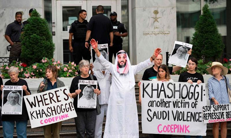 Protesters at the Saudi embassy in Washington DC.