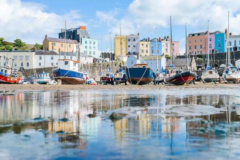 Tenby bay, Wales, has cheaper autumn accommodation (Photo: Tamas Gabor via Getty Images)