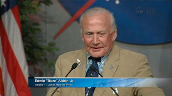 Astronaut Buzz Aldrin speaks at the memorial service for Neil Armstrong at Johnson Space Center, TX, June 20, 2013.