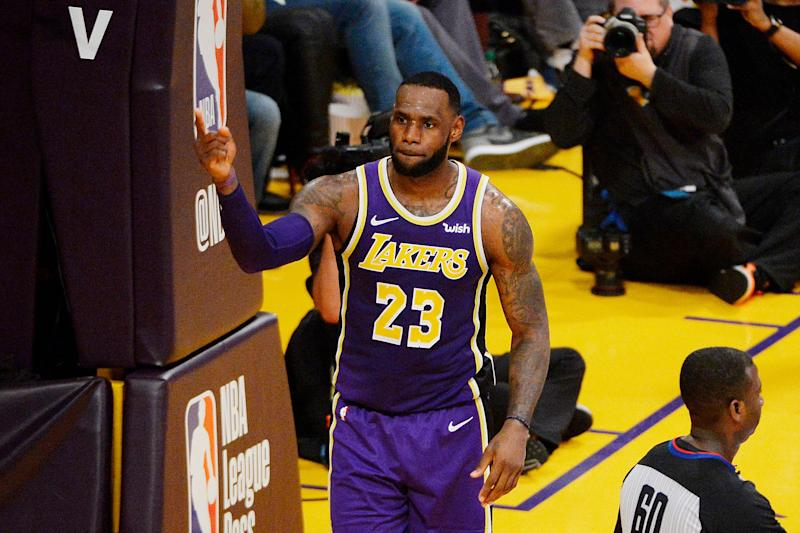 LOS ANGELES, CALIFORNIA - MARCH 06: LeBron James #23 of the Los Angeles Lakers celebrates after passing Michael Jordan and moving to #4 on the NBA's all-time scoring list during the second quarter against the Denver Nuggets at Staples Center on March 06, 2019 in Los Angeles, California. (Photo by Robert Laberge/Getty Images)
