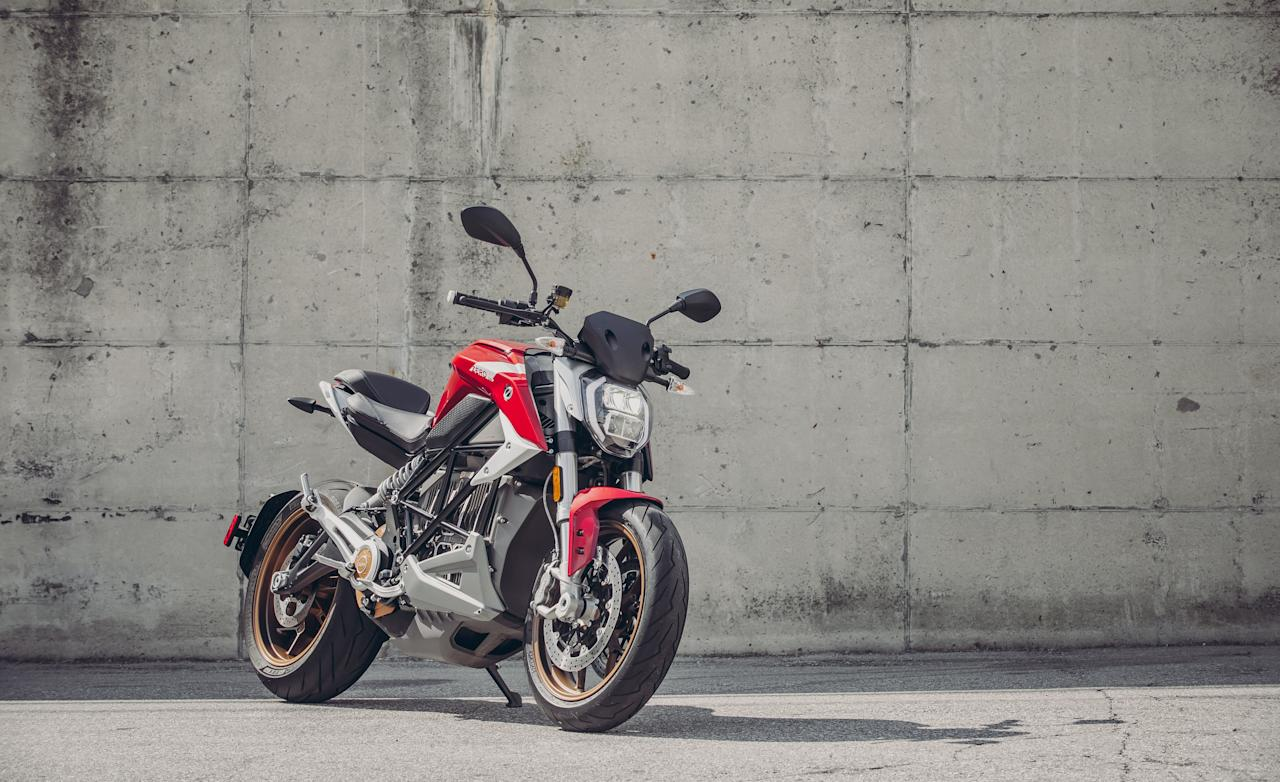 """<p>The 2020 Zero SR/F offers all the virtues of electric vehicles—swift acceleration, near-silent operation, and remarkable smoothness—in a streetfighter-style motorcycle. Read the full story <a href=""""https://www.caranddriver.com/reviews/a29107969/2020-zero-srf-drive/"""" target=""""_blank"""">here</a>.</p>"""