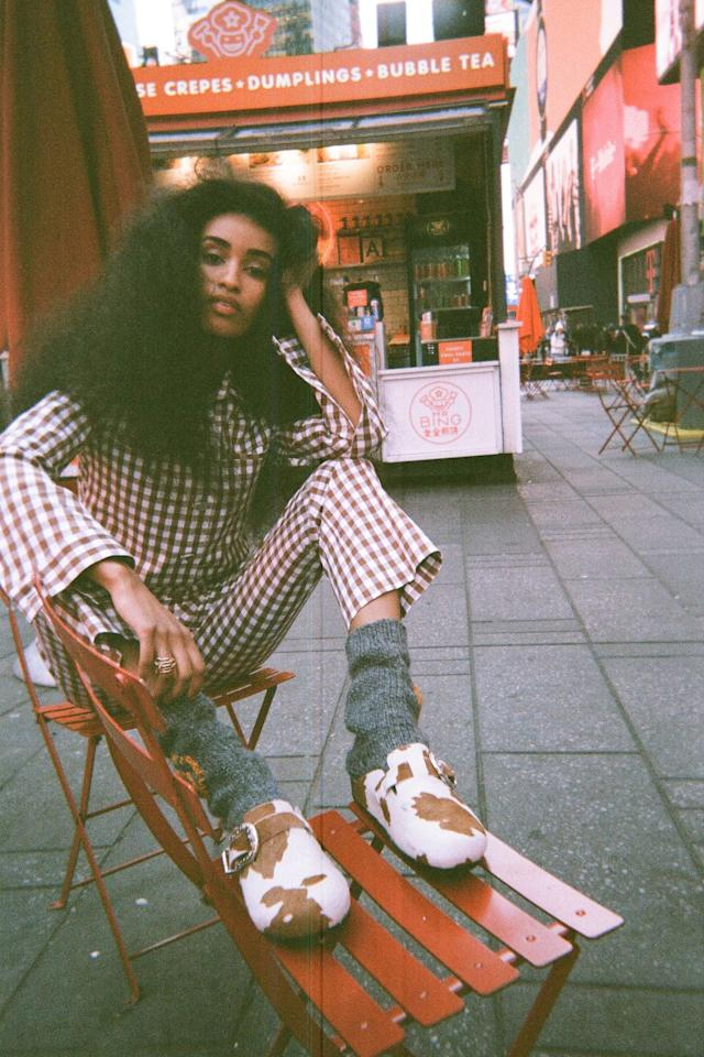 """<p><a class=""""body-btn-link"""" href=""""https://brothervellies.com/"""" target=""""_blank"""">MORE</a></p><p>Designer Aurora James launched Brother Vellies in 2013, with the aim of keeping traditional African design practices and techniques alive through her luxury footwear label. Artisans from across the globe create the collections, including South Africa, Kenya, Mexico Morocco, Ethiopia, Burkina Faso, Italy, Haiti and New York. <br></p><p>The brand strives to lessen its impact on the planet, through using vegetable-tanned leathers, soling from recycled tires, hand-carved wood, floral-dyed feathers and other by-product materials that have been sourced from farmers all over the world. The Brooklyn-based label is loved by some of the most stylish women, including Solange Knowles and Meghan, the Duchess of Sussex. </p>"""