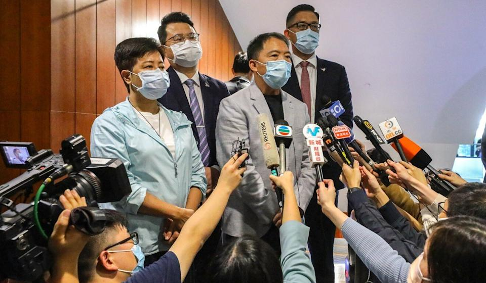 Pan-democratic lawmakers (left to right) Helena Wong, Andrew Wan, Wu Chi-wai and Lam Cheuk-ting submit their resignation letters at Legco on Thursday. Photo: Dickson Lee