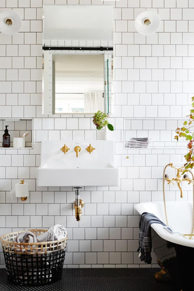 Say hello to the new bathroom tile trend - Plain white tiles bathroom ...