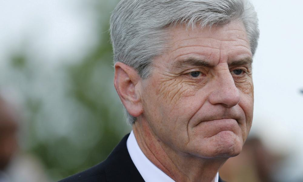 Mississippi: restrictive abortion law faces court block hours after signing