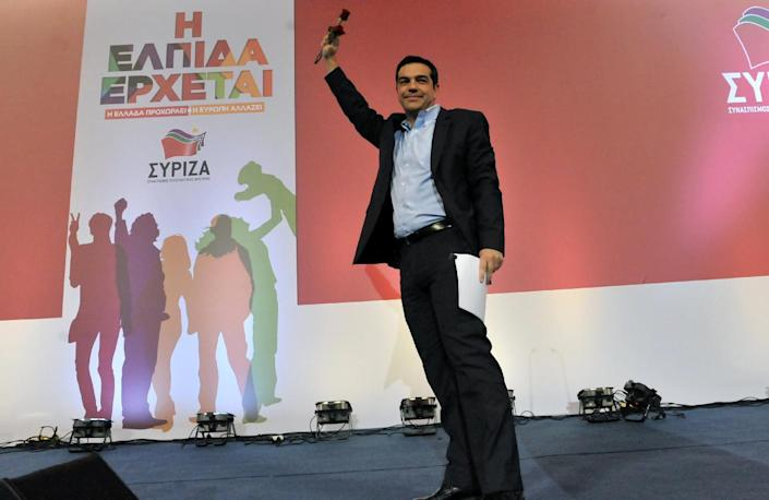 Alexis Tsipras gestures to supporters during his speech in Thessaloniki on January 20, 2015 (AFP Photo/Sakis Mitrolidis)