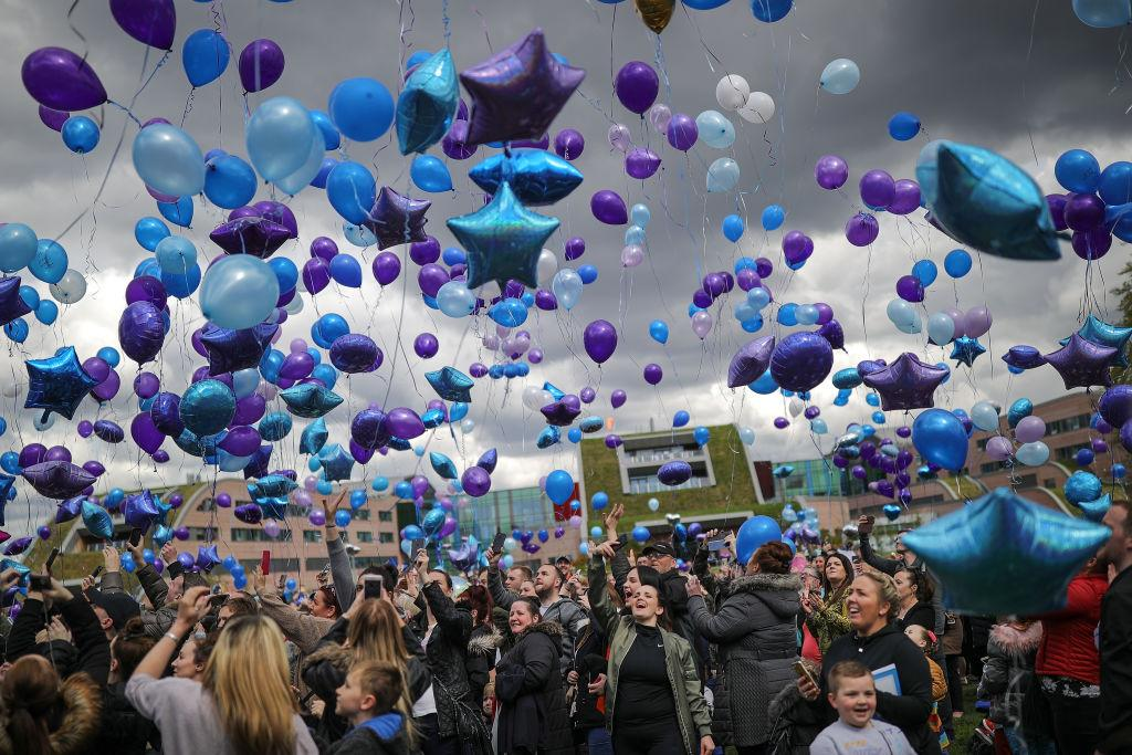 <p>Supporters begin to gather outside Alder Hey Hospital after terminally ill 23-month-old Alfie Evans died at 2:30am on April 28, 2018 in Liverpool, England. Alfie's life support was withdrawn on Monday after his parents, Tom Evans and Kate James, fought a long legal battle to stop the Alder Hey Children's Hospital in Liverpool, north-west England, from turning off his ventilator. (Getty) </p>