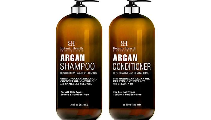 Let your mom have a self-care day with this relaxing shampoo set.