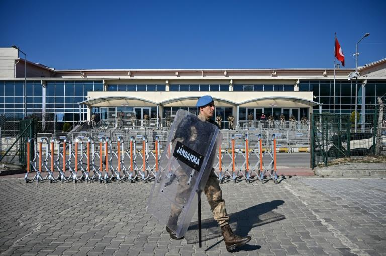 Security was high around the courthouse before the decision (AFP Photo/Ozan KOSE)