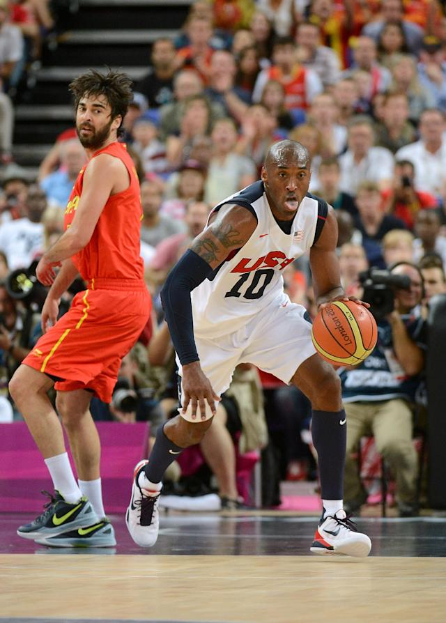 LONDON, ENGLAND - AUGUST 12: Kobe Bryant #10 of the United States dribbles the ball up court during the Men's Basketball gold medal game between the United States and Spain on Day 16 of the London 2012 Olympics Games at North Greenwich Arena on August 12, 2012 in London, England. (Photo by Harry How/Getty Images)