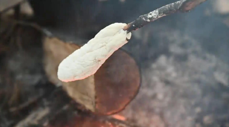 How to make 'four cents bread' over a campfire
