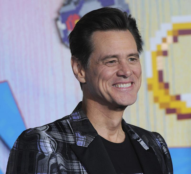 "Jim Carrey's publicist blasts ""ridiculous"" story over the actor's remark to female reporter that she's on his ""bucket list."""
