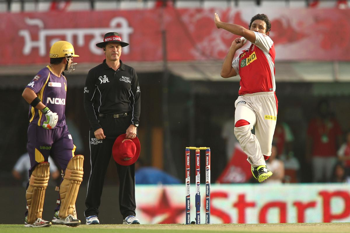 Azhar Mahmood of Kings XI Punjab sends down a delivery during match 20 of the Pepsi Indian Premier League between The Kings XI Punjab and the Kolkata Knight Riders held at the PCA Stadium, Mohal, India  on the 16th April 2013..Photo by Shaun Roy-IPL-SPORTZPICS  ..Use of this image is subject to the terms and conditions as outlined by the BCCI. These terms can be found by following this link:..https://ec.yimg.com/ec?url=http%3a%2f%2fwww.sportzpics.co.za%2fimage%2fI0000SoRagM2cIEc&t=1503012825&sig=Z1sobIl1ECcxxyxlfNdKxQ--~D