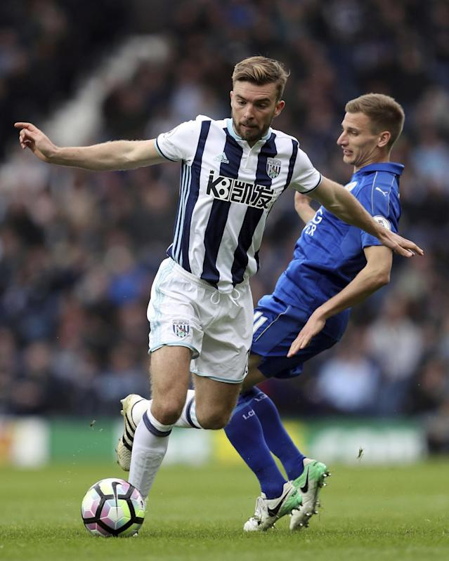 <p>West Bromwich Albion's James Morrison, left, and Leicester City's Marc Albrighton </p>