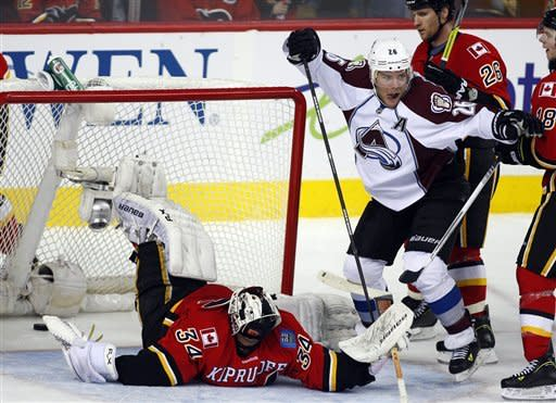 Stastny scores twice to lead Avs past Flames 6-3