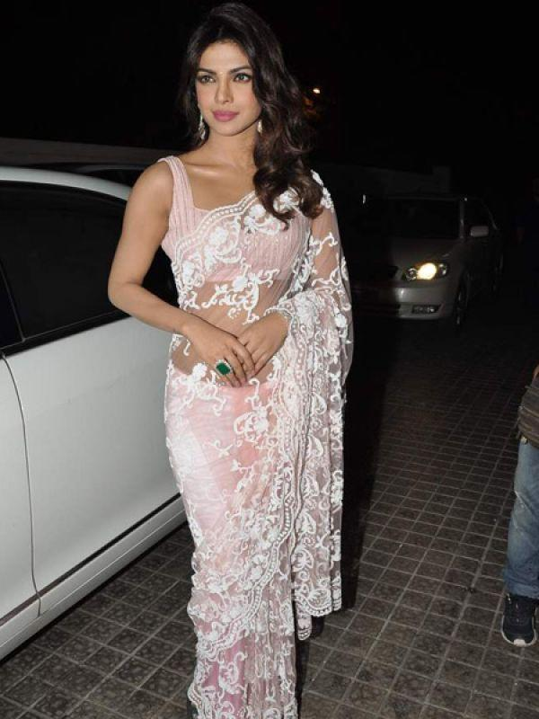 Images via : iDiva.com No, it was not a wedding where we spotted Piggy Chops! We saw the actress at the Race 2 premiere wearing this! *faints* Related Articles - Celeb Spotting: 'Nawabi' Saif, 'Bull-ish' Mahima and Tacky Vidya Celeb Style: Bollywood Moms Dress Chic