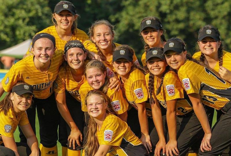 Softball team disqualified from World Series after controversial Snapchat