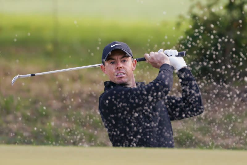 Rory Mcilroy Sends Tee Shot Into Pool Loses At Wgc Match Play