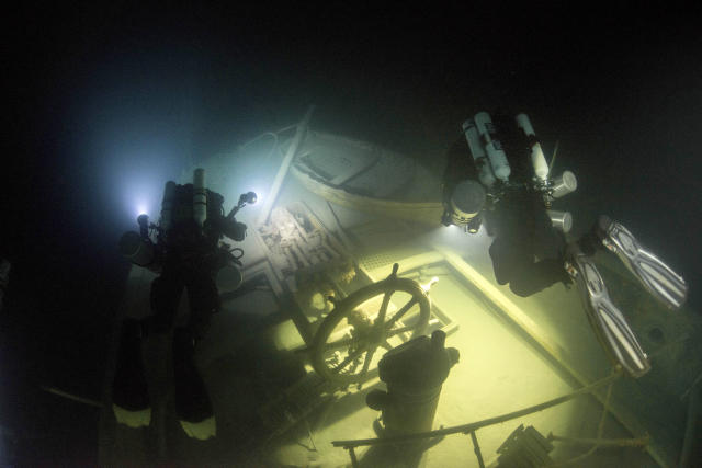 <p>Schott, a professional underwater photographer, camera operator, and technical diving instructor, says that the dangerous dive was something that they had planned for carefully. (Photo: Becky Kagan Schott/Caters News) </p>
